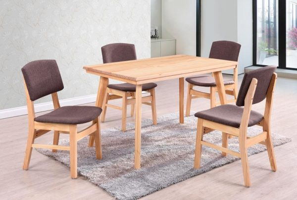 T006 Pinewood Dining Table And 4 Chairs