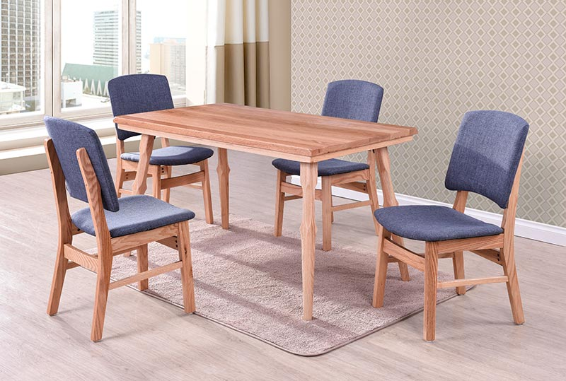t008 solid red oak dining table and 4 chairs univonna